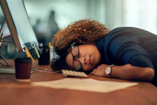علت خستگی زنان