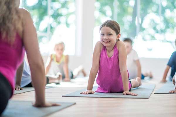 یوگا برای کودکان و نوجوانان